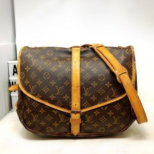 Louis Vuitton Saumur 35 Monogram Crossbody bag